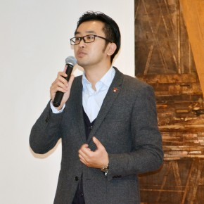 """08 Gao Peng Director of Today Art Museum gave a speech  290x290 - Together on the Path: the First """"Ovation Star"""" - Exhibition of Excellent Works for the Youth Support Plan"""