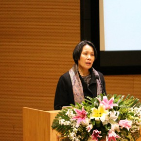 """09 Dong Yisha the daughter of Dong Xiwen spoke on behalf of the family  290x290 - """"The Oil Painting of Chinese Style – Retrospective Exhibition of Dong Xiwen"""" was inaugurated"""