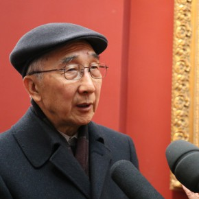 """12 Jin Shangyi was interviewed  290x290 - """"The Oil Painting of Chinese Style – Retrospective Exhibition of Dong Xiwen"""" was inaugurated"""