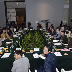 14 View of the seminar of the Guangzhou show 290x290 - The Third Reconstruction of Oriental Beauty Painting Exhibition – Beauty in the Discerning Eye of Aspirations in Ink and Wash