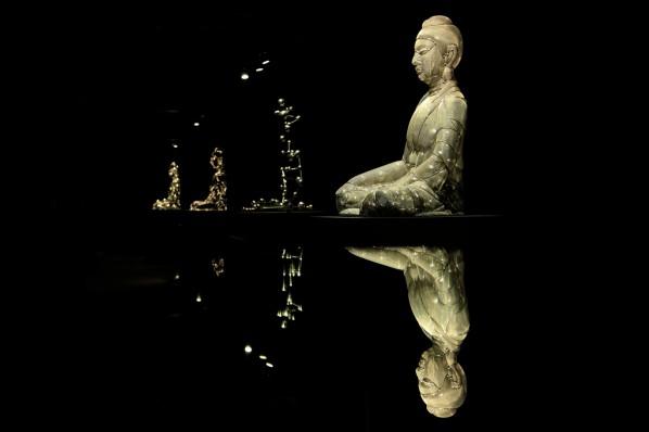Shi Zhongying, Buddha Icon Series, 2013; Stainless steel, each 95x72x65cm