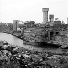 11 Coal Mine Factory in the north east of England in the 1990s 290x290 - Matthew Jarratt's Lecture: Art and Regeneration in Northeast England at Mingtai Space