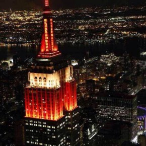 """16""""Colorful China"""" light show held at the top of the Empire State Building echoed the fireworks show"""