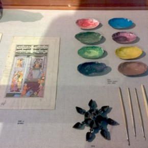"""08 Display of the tools and materials of miniature painting 290x290 - """"The Oriental Rock-Dyestuff • The Tour to Buddha's Realm"""" Indian Investigation Exhibition at CAFA"""