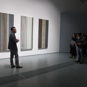 """11 Xia Jifeng guided the media in visiting the exhibition1 290x290 - Reshaping the Oriental Aesthetics – Hive Center for Contemporary Art Presents """"The Boundaries of Order"""""""