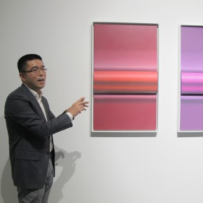"""12 Xia Jifeng guided the media in visiting the exhibition1 290x290 - Reshaping the Oriental Aesthetics – Hive Center for Contemporary Art Presents """"The Boundaries of Order"""""""