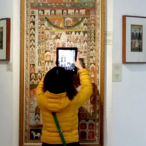"""16 At the miniature painting exhibition hall of Delhi National Art Museum 290x290 - """"The Oriental Rock-Dyestuff • The Tour to Buddha's Realm"""" Indian Investigation Exhibition at CAFA"""