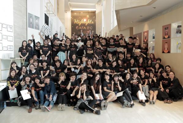 02 The family photo of 2014 graduates