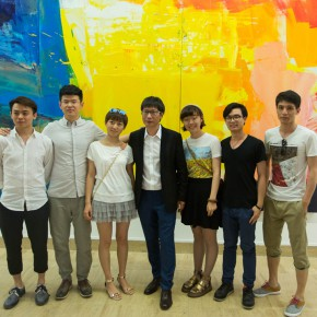 08 Artist Liu Shangying with His Students 290x290 - Liu Shangying's Art Exhibition Unveiled at the National Art Museum of China