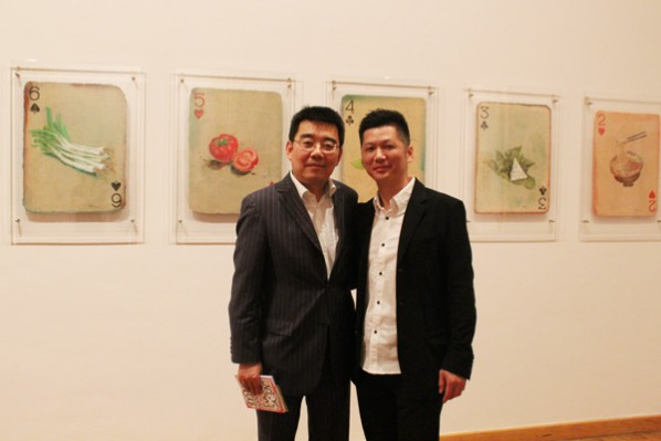 01 Chen Ping, Cultural Counselor of Embassy of the P.R.China in the Federal Republic of Germany (left), artist Huang Yong (right)