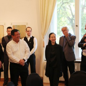 """04 Jurgen Stacker Chairman of the board of directors of Stacker Foundation addressed the opening ceremony 290x290 - Huang Yong's Solo Exhibition """"Food Game"""" debuted in Berlin, Playing """"Food Game"""" together with Texas Poker"""
