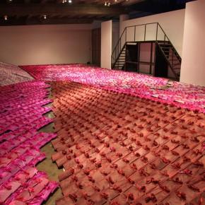 10 Jiang Jie, Pink Utopia, tiles, silk bags, irregular, 2009-2010