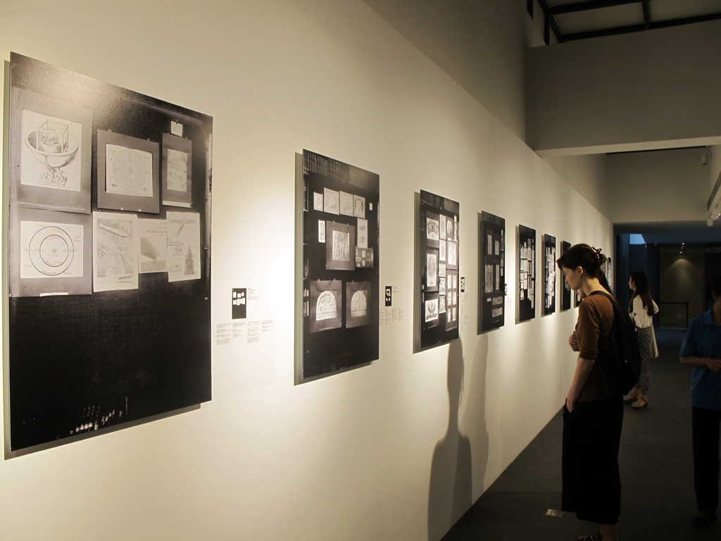 """Exhibition D View : An exhibition about images of """"memory beijing ocat"""