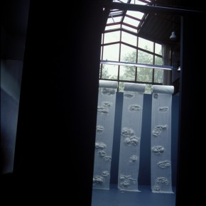 51 Jiang Jie, Come Down to Earth, gauze, paper, 400 x 80 cm x 3, 1999