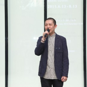 04 The curator Li Xu addressed the opening ceremony