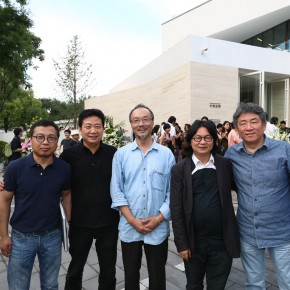 09 Critic Huang Du, Deputy Director of National Art Museum of China Zhang Zikang, CAFA Prof. LvShengzhong, famous artist Ding Yi and Tan Ping