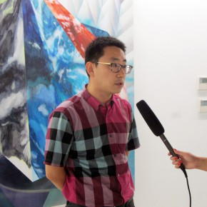 02 Curator Wang Meng was interviewed by the media
