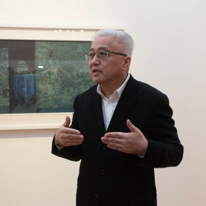 "06 Artist Xu Lei guided the media to visit the exhibition 290x290 - Xu Lei's Solo Exhibition ""Fugue"" opened at Suzhou Museum"
