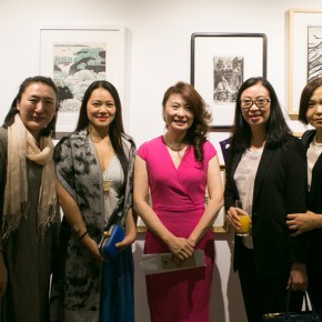 """06 Group photo of Gao Aihong Director of Beijing Gauguin Culture Media Co. Ltd. and the honored guests 290x290 - """"Print Summit – The Communication Exhibition of Print Works by Artists from the East and the West"""" opened at the Gauguin Gallery"""