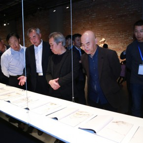 "07 Honored guests visiting the exhibition  290x290 - 2015 ""Zeng Zhushao Sculpture Art Fellowship"" National Academies Excellent Sculpture Exhibition opened"