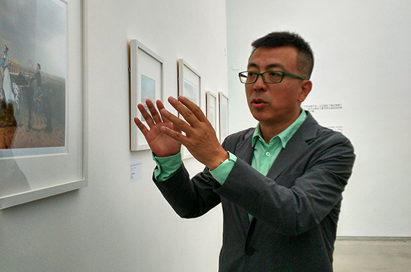 featured image of Artist Liu Xiaodong guided the media to visit the exhibition