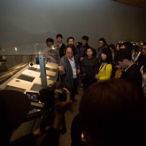 """07 The media was guided to visit """"Diamond Leaves the 2nd Exhibition of Artists' Books Around the World""""  290x290 - Transformation of Printed Books: """"Diamond Leaves–the Second Exhibition of Artists' Books from around the World"""" unveiled"""