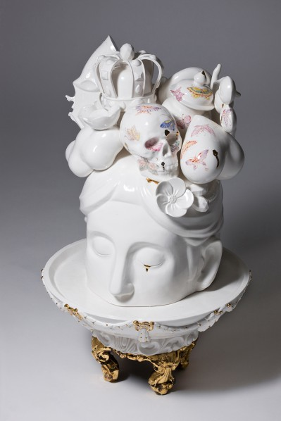 Art Projects Gallery - Lee Yun Hee - Allegory 01 - porcelain - 35 x 35 x 60cm