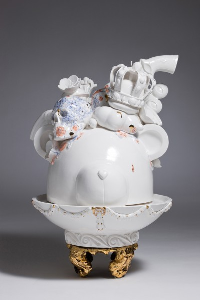 Art Projects Gallery - Lee Yun Hee - Allegory2 - porcelain - 35 x 35 x 50cm