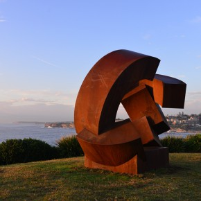 Jörg Plickat, divided planet, Sculpture by the Sea, Bondi 2015. Photo Clyde Yee