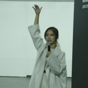 01 Director Liu Linyao addressed the opening ceremony 290x290 - Sishang Art Museum brought the double solo exhibitions overseas as the last exhibition of 2015