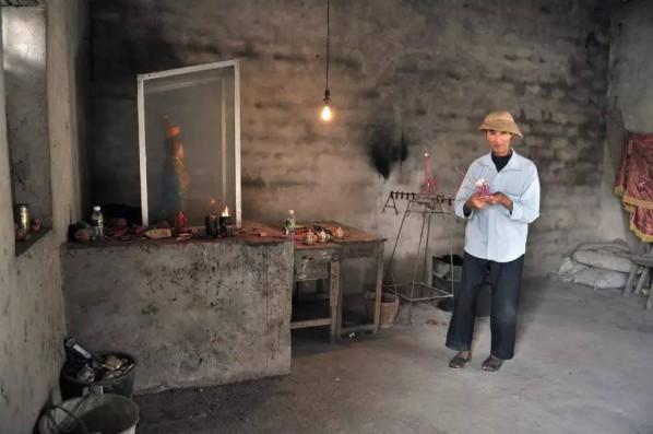 Luoyi Village, Hainan, 2010 © Matthias Messmer, Hsin-Mei Chuang