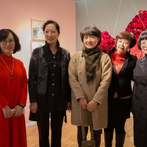 07 Group Photo of Honored Guests 290x290 - In the Mood for Love – the Exhibition of Female Artists' Growth in Art Forms is unveiled at the Gauguin Gallery at Wangjing SOHO