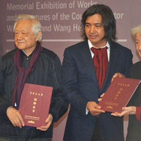 12 Chang Shana and Sheng Yang accepted the certificates of donation by Director of the National Art Museum of China Wu Weishan and Director of CAFA Art Museum Wang Huangsheng
