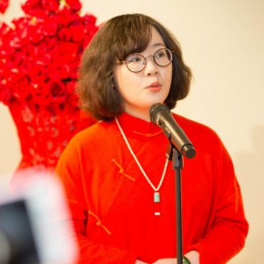 30 Academic Director Fu Yijing spoke and read a poem 290x290 - In the Mood for Love – the Exhibition of Female Artists' Growth in Art Forms is unveiled at the Gauguin Gallery at Wangjing SOHO