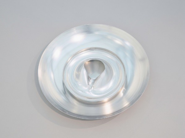 Valerie Snobeck  Iris, 2015  Spun aluminum and extinguishing head, 87.6 x 14.6 cm; Courtesy of the artist and Simon Lee Gallery
