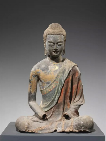 Tang dynasty (618–907, early 7th century) Hollowdry lacquer with traces of gilt and polychrome pigment and gilding Buddha Amitabha (Picture Source: the Metropolitan Museum of Art)