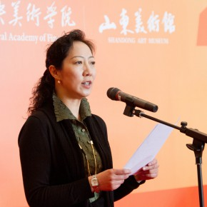 "02 Assistant to the CAFA President Dean of the Academic Affairs Office Wang Xiaolin addressed the opening ceremony 290x290 - ""The Temperature of History"" Opened at Shandong Art Museum with Representational Oil Paintings Warming the Earth of Shandong"