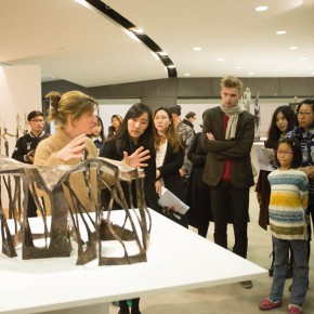 "08 The artist VAL guided the media to visit the exhibition 290x290 - ""Anatomy of a Creative Path"" kicked off at CAFA Art Museum: Reviewing the Creative Road of the French Female Sculptor VAL"