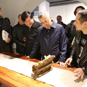 "12 Leaders at all levels visited the works by the jade carving group photo courtesy of Zhang Dongping 290x290 - Heritage for the Nation, Innovation for Life: The 2nd CAFA ""Intangible Cultural Heritage Protection and Modern Life Senior Training Class"""
