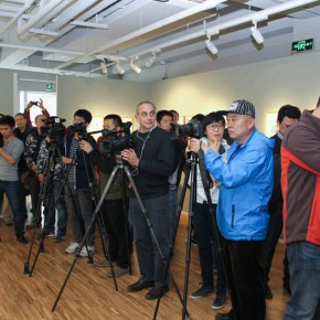 "28 Journalists at the opening ceremony 290x290 - ""My Left Hand – Zhu Xinjian"" Exhibition & the Launch of the First Volume of The Complete Works of Zhu Xinjian Landed at Gauguin Gallery"