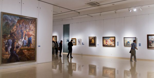 00 featued image of exhibition view