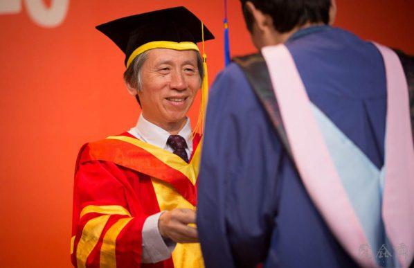 05 2015 Graduation Season – President of CAFA Fan Di'an awarded a degree