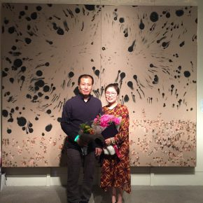 "01 Zhang Wen and her tutor Liu Qinghe in front of her graduation work ""World"" 290x290 - CAFA Graduation Season丨Case Observation of Chinese Painting: Zhang Wen – Chinese Painting is A World, Where I am Enlightened and Grow Up"