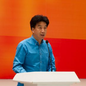 "02 Assistant to CAFA President Deputy Party Secretary of Hubei Academy of Fine Arts Lu Bin addressed the opening ceremony  290x290 - Centurial Chinese Oil Paintings Tours to the South: ""The Temperature of History"" opened in Wuhan"