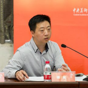 "14 The exhibition director and Deputy Director of CAFA Art Museum Tang Bin addressed the press conference  290x290 - Centurial Chinese Oil Paintings Tours to the South: ""The Temperature of History"" opened in Wuhan"