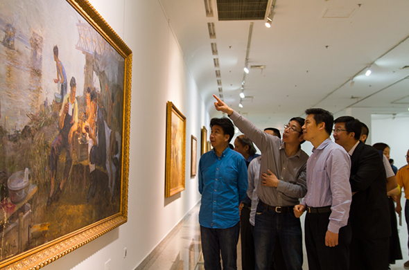 featured image of Curator of the exhibition Yin Shuangxi personally guided the media to visit the exhibition
