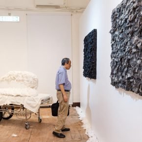 """10 Honored guests visited the exhibition 3 290x290 - Exploration of the Growing Relationship between Art and Medical Science: Zhang Yanzi's """"Essence"""" was unveiled"""