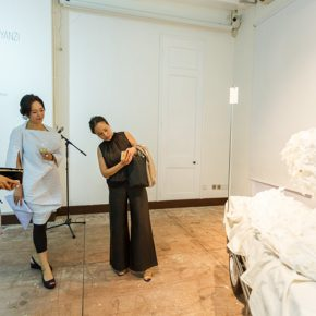 """12 Honored guests visited the exhibition 3 290x290 - Exploration of the Growing Relationship between Art and Medical Science: Zhang Yanzi's """"Essence"""" was unveiled"""