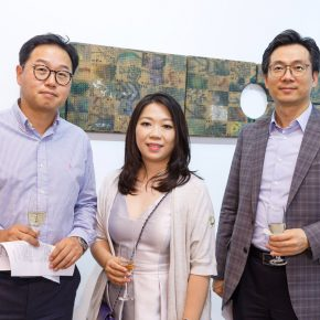 """15 Honored guests visited the exhibition 3 290x290 - Exploration of the Growing Relationship between Art and Medical Science: Zhang Yanzi's """"Essence"""" was unveiled"""