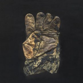 27 Cao Kuo, Gloves, oil on canvas, 30 x 40 cm, 2016